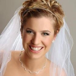 короткая свадебная прическа фото